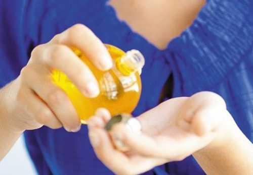 миндальное масло для волос: возможности средства, рецепты масок